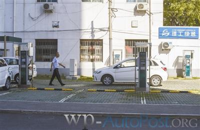 郑州今年建大中型充换电站4座 充电桩800个