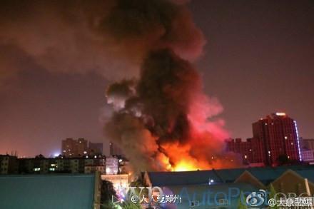 郑州昨晚发生两起火灾 暂无人员伤亡